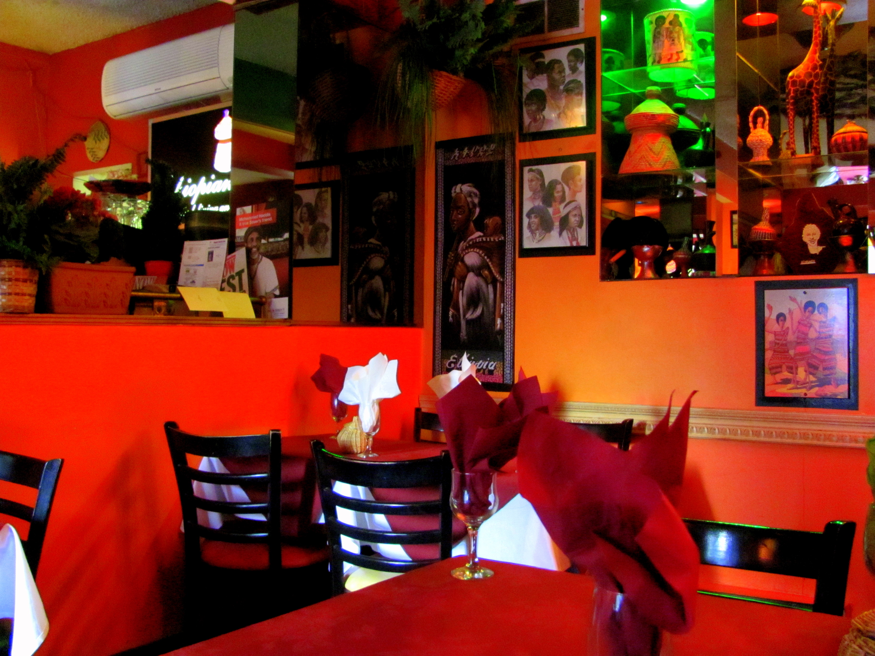 toronto restaurant ethiopian house dr talia marcheggiani nd an ethiopian meal consists of a large plate full of spicy colourful stews made of legumes vegetables and sometimes meats the plate resembling an